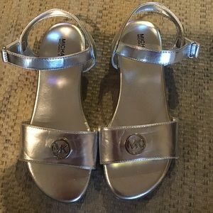 MICHAEL KORS Silver strapped sandals Size 5 Girls